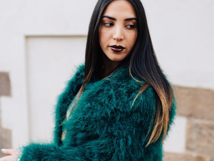 Spring looks by Styleport – rakt hår och läppar i Dark Purple